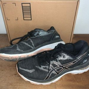 🔐 WOMENS SIZE 9.5 ASICS GEL NIMBUS 20 SNEAKERS